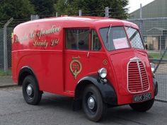 1960 Morris JB Type Van Vintage Tractors, Old Tractors, Vintage Trucks, Old Trucks, Classic Trucks, Classic Cars, Aston Martin, Bristol, Jaguar