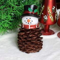 Amazon.com - Home Impressions Christmas Pine Cone Snowman With Timer, Glitter Powder In Surface. -