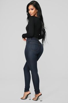 Women Jeans Outfit Purple Cocktail Dresses Skinny Work Trousers Casual Travel Outfits Denim Jeans For Girls Cute Summer Clothes Jeans And Heels Outfit – azalearlily Jean Moda, Casual Travel Outfit, Casual Outfits, Swimsuits For Curves, Curve Dresses, Fashion Nova Models, Curves Clothing, Culottes, Denim Outfit