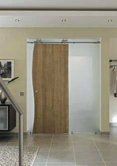 The MWE Duplex S is a modern barn door hardware model made of the finest stainless steel. The MWE Supra is contemporary in design and can be used in a variety of different applications, notably for wood. Stainless Steel Railing, Stainless Steel Cleaner, Modern Door, Modern Barn, Modern Contemporary, Sliding Barn Door Hardware, Sliding Doors, Steel Barns, Concealed Hinges