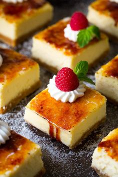 Creme Brulee Cheesecake Bars - these are unbelievably delicious! two of the best things in the world! cheesecake and creme brulee! Sweet Desserts, Sweet Recipes, Delicious Desserts, Yummy Treats, Sweet Treats, Yummy Food, Creme Brulee Cheesecake Bars, Cheesecake Recipes, Dessert Recipes