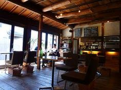 I like the japanese old-house style cafe.