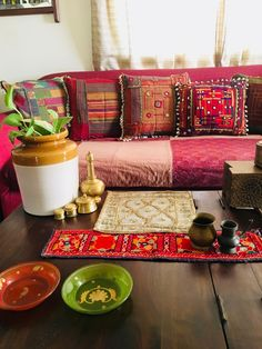 30 interior design ideas in Indian style for a colorful, exotic home - Interior Design Indian Room, Indian Home Decor, Indian Interior Design, Indian Decor, Home Decor, Indian Interiors, Home Interior Design, Living Decor, Home Decor Furniture