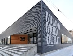 MILANOMODA_OUTLET // Контакты // Миланомода Factory Architecture, Retail Architecture, Industrial Architecture, Modern Architecture, Industrial Sheds, Parque Industrial, Facade Design, Exterior Design, Pre Engineered Metal Buildings
