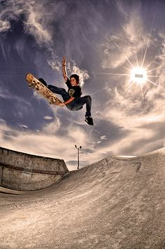 Gorgeous editing on a great photo #skateboarding
