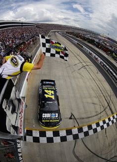RACE REPORT - FedEx 400 at Dover   STEWART WINS! Patrick Finishes 24th, Newman 36th at Dover
