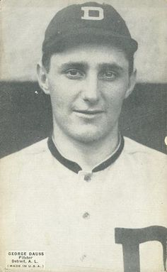 1925 Exhibits W461 #91 George Dauss Front