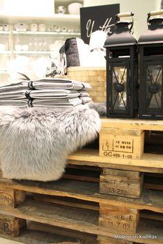 Modernisti Kodikas. http://modernistikodikas.blogspot.fi/2013/11/annon-jouluinspiraatiota.html