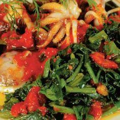 Σουπιές με σπανάκι Fish Dishes, Seaweed Salad, Ethnic Recipes, Board, Planks