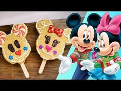 Holidays at the Disneyland Resort has begun! See how Master Candy Maker Rob is making Mickey and Minnie Gingerbread Crispy Treats, inspired by the Christmas . Disney Food, Disney Recipes, Disney Stuff, Christmas Goodies, Christmas Stuff, Mickey Mouse And Friends, Disney Family, Disneyland Resort, Disney Christmas
