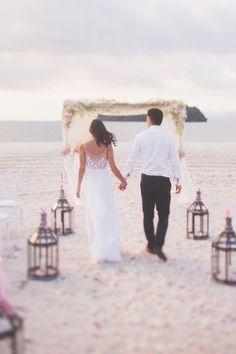Beautiful beach wedding // Paradise Island: Edmund and Emily's Langkawi, Malaysia Wedding