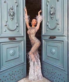🔥 looking gorgeous for her prom night. Fashion Now, Daily Fashion, Runway Fashion, Fashion Models, Fashion Black, Fashion Women, Fashion Tips, Sexy Dresses, Fashion Dresses