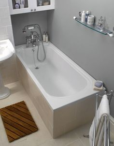 The Imperial Oxford 1700 x Single Ended Bath makes an elegant option for all period styled bathrooms and is manufactured from a high quality acrylic. Shower Taps, Bath Taps, Imperial Bathrooms, Edwardian Bathroom, Straight Baths, Steel Bath, Bath Panel, Traditional Baths, Bad Styling