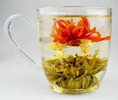 Highest grade blossoming tea, hand crafted by Chinese artisans. This #tea is created using fine long white tea buds from the Dai Bai cultivar. Light and gentle with some sweet and floral nuances.