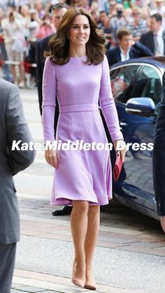 Kate Middleton Outfits, Kate Middleton Style, Modest Dresses, Casual Dresses, Summer Dresses, Mom Outfits, Chic Outfits, Pretty Outfits, Winter Outfits