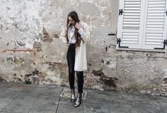 Hello beautiful people! This fallmetallic colored clothes and shoes are really in. I am obsessed with shoes, so naturally I have to get this metallic ankle boots. I really like them, because they …