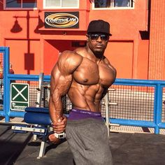 simeon panda http://the-swole-strip.tumblr.com/