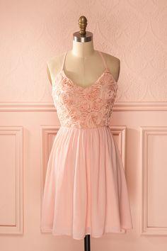Robe voile rose bonbon appliqués fleurs bretelles fines dos croisé - Light pink veil floral applique thin straps crossed back