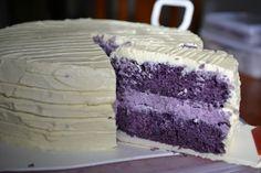Ube (Purple Yam) Velvet Cake with Ube cheesecake filling and cream cheese frosting Filipino Desserts, Asian Desserts, Easy Desserts, Filipino Food, Filipino Recipes, Ube Recipes, Cupcake Recipes, Cupcake Cakes, Dessert Recipes