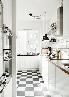 Black and White Kitchen Floor. 20 Black and White Kitchen Floor. Black and White Tile Floor Kitchen Black and White Kitchen Kitchen Decor, Kitchen Inspirations, Kitchen Flooring, Scandinavian Kitchen, Home Kitchens, White Kitchen Tiles, Kitchen Design, Kitchen Remodel, White Kitchen Floor