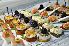 Canapes Variados Snacks Für Party, Appetizers For Party, Canapes Faciles, Healthy Food Alternatives, Fingerfood Party, Spanish Tapas, Appetisers, Antipasto, High Tea