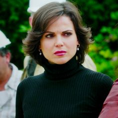 loving this hair on Regina Cool Short Hairstyles, Short Hair Styles, Cut And Style, Cut And Color, Once Upon A Time Funny, Queen Outfit, Regina Mills, Great Cuts, Pretty Woman