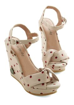 Ladybug Crossing Wedge. Make way for these ladylike wedges by Loly in the sky! #gold #prom #modcloth