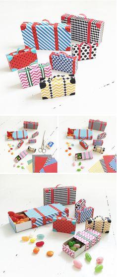 Resväskor av tändsticksaskar och Eivor origamipapper. Enkelt pyssel för barn och vuxna. (suitecases in paper, simple DIY) #ejvor #papper #pyssel
