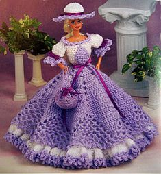 Free Crochet Doll Dress Patterns - Hobbies and Crafts World Crochet Ball, Crochet Doll Dress, Crochet Barbie Clothes, Crochet Doll Pattern, Knitted Dolls, Free Crochet, Crochet Patterns, Gown Pattern, Crochet Toys