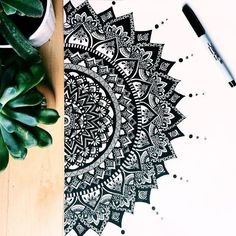 40 Beautiful Mandala Drawing Ideas & How To – Brighter Craft – Mandala Design – mandala Mandala Art Lesson, Mandala Doodle, Mandala Artwork, Mandalas Painting, Mandalas Drawing, Zen Doodle, Easy Mandala Drawing, Doodling Art, Simple Mandala