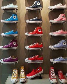 Converse All Star⭐ Converse All Star, Mode Converse, Outfits With Converse, Converse Sneakers, Sneakers Fashion, Fashion Shoes, Women's Vans, Sock Shoes, Cute Shoes