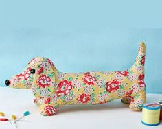 Sewing Stuffed Animals Dave Dachshund - Free sewing patterns - Sew Magazine - Make this cute doorstop today. Animal Sewing Patterns, Sewing Patterns Free, Free Sewing, Pattern Sewing, Sewing Stuffed Animals, Stuffed Animal Patterns, Sewing Toys, Sewing Crafts, Cute Sewing Projects