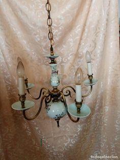 Antigua lámpara de techo de bronce y porcelana de 5 brazos, motivos florales, estilo araña, mdos XX