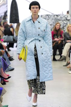 Rachel Comey Fall 2019 Fashion Show . Designer ready-to-wear looks from Fall 2019 runway shows from New York Fashion Week Fashion Week, New York Fashion, 90s Fashion, Fashion Show, Fashion Dresses, Fashion Design, Fashion Trends, Fashion Hacks, Fall Fashion