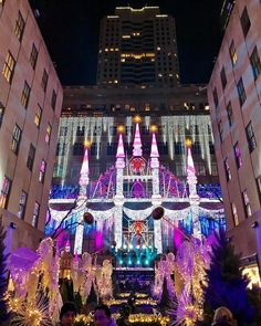 SAKS 5th Ave by blakey_coco - The Best Photos and Videos of New York City including the Statue of Liberty, Brooklyn Bridge, Central Park, Empire State Building, Chrysler Building and other popular New York places and attractions.