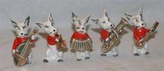 Vintage-Japan-Terrier-DOG-BAND-ORCHESTRA-Figurines-Set-Lot-of-5-Matched-Red-Jkt