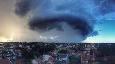 Mar del Plata sufrió el peor temporal en décadas: 16 fotos increíbles Marvel, Northern Lights, Clouds, Outdoor, Nature, Storm Clouds, Rain, Electric Shock, Mar Del Plata