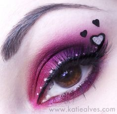 This cute look by Katie Alves shows you how to dress up your pink smokey eye with hearts to turn it into Valentine's Day eye ART! Unique Makeup, Creative Makeup, Day Makeup, Beauty Makeup, Makeup Ideas, Makeup Inspo, Pink Smokey Eye, Love Lips, Stunning Eyes