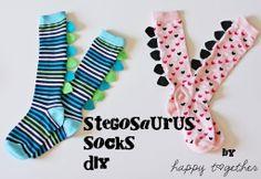 OMG DIY Stegosaurus socks! I am dying in delight.