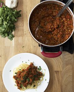 One-Pot Lentil Bolognese Recipe by Tasty 2 cans of brown lentils, changed all herbs to tbs each, added tuscan seasoning too and added chilli flakes and garlic powder Delicious Lentil Bolognese, Bolognese Recipe, Whole Food Recipes, Dinner Recipes, Cooking Recipes, Beef Recipes, Lasagna Recipe With Ricotta, Vegetarian Recipes, Healthy Recipes