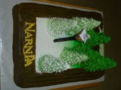 Narnia cake - forest changing from winter to spring