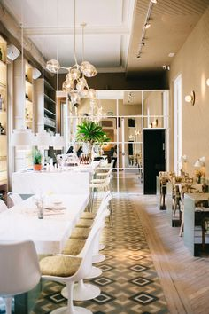 El Imparcial. Restaurant & tienda. Madrid