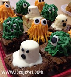 Marshmallow brownie monster tutorial for Halloween