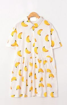 Banana print dress // Bodice button front, short sleeves, gathered skirt, collar