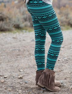 SA Exclusive Turquoise Tribal Leggings