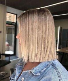 Blonde Hair Looks, Blonde Hair With Highlights, Brown Blonde Hair, Blond Bob, Blonde Honey, Medium Blonde, Honey Hair, Medium Brown, Medium Hair Styles