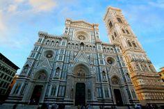 Санта-Мария-дель-Фьоре, Флоренция. Фасад собора и кампанила Джотто.