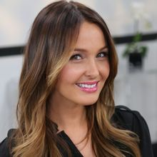 Beautiful Hollywood Actresses hollywood actress name with photo are some of the prettiest & stunningly beautiful women in the world. Camilla Luddington, Hair Lights, Light Hair, William Kate, Brown Hair With Blonde Highlights, Blonde Hair, Emilia Clarke, Grey's Anatomy, Hair Inspo