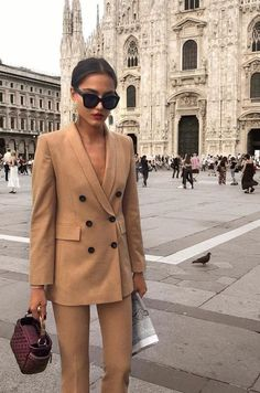 99 Fashionable Office Outfits and Work Attire for Women to Look Chic and Stylish – Lifestyle Scoops Fashion Mode, Office Fashion, Look Fashion, Timeless Fashion, Feminine Fashion, Womens Fashion, Fashion Fail, Trendy Fashion, Workwear Fashion