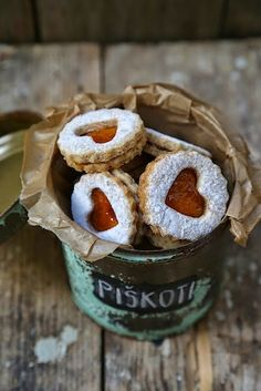 Cinnamon and Thyme: The Linz biscuits with lavender / Linzer cookies with lavender